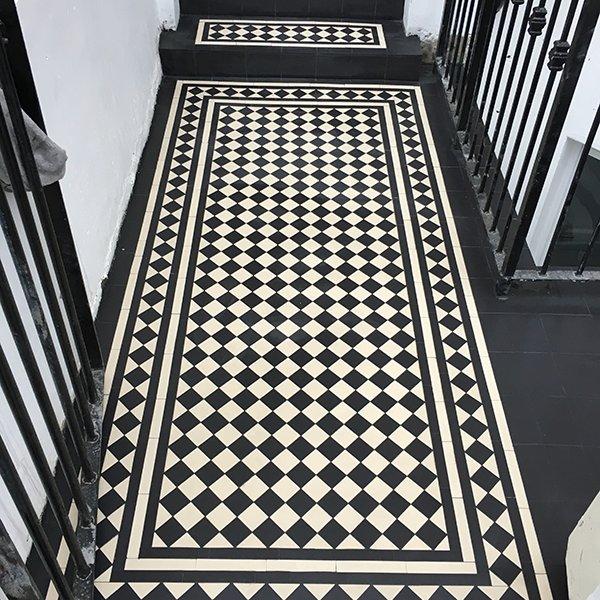 Victorian Pathway black white